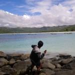 Lempar jumroh (amiin hahaha) di pantai Selong Belanak
