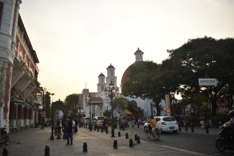 Sore itu, di Kota Lama, Semarang